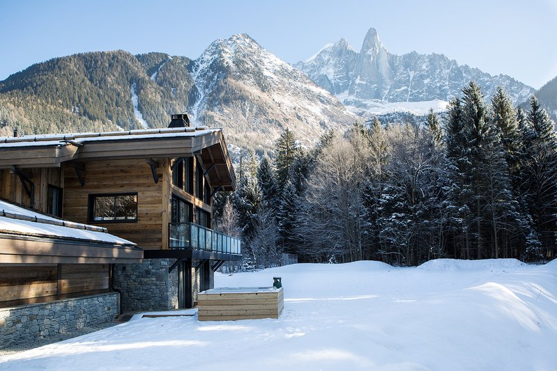 The exterior of Chalet Betaix in winter