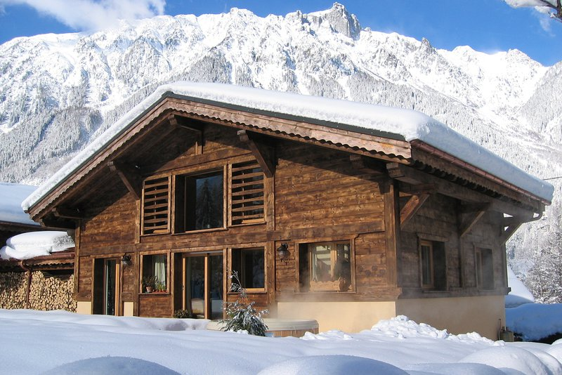 A wonderful setting for this chalet|Un emplacement superb pour ce chalet